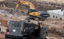 100 Palestinians displaced after zionist occupation demolished 129 structures in November