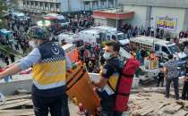 100 people rescued alive from the rubble after earthquake in Izmir, Turkey