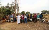 European Yetim Eli distributes milk goats, food parcels to poor families in Africa