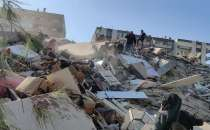People trapped under the rubble after huge earthquake in western Turkey