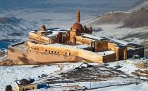 ​Turkey's favorite tourist destination and the Topkapı palace of Ağrı: Ishaq Pasha palace