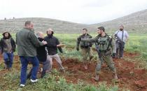 Zionist gangs prevent olive farmers from reaching groves for 4th day