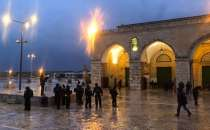 Zionist police banish two Jerusalemites from Aqsa for six months